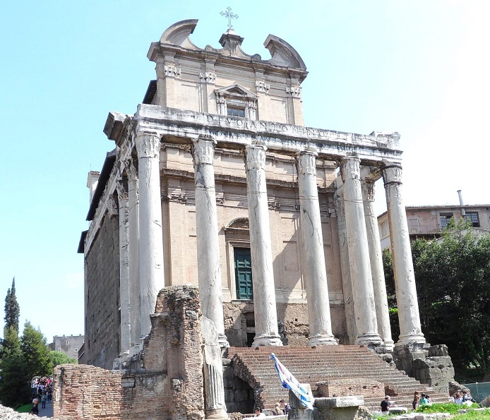 Forum_Temple_of_Antoninus_and_Faustina