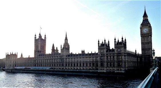 Palace_of_Westminster_Riverside