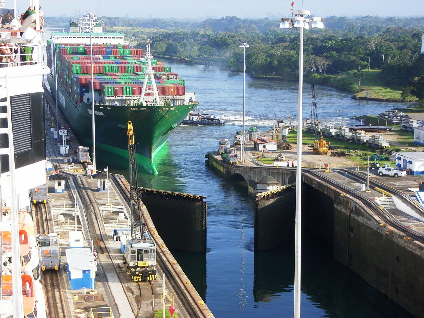 Canal De Panama: Famous Historic Buildings & Archaeological Sites In Panama