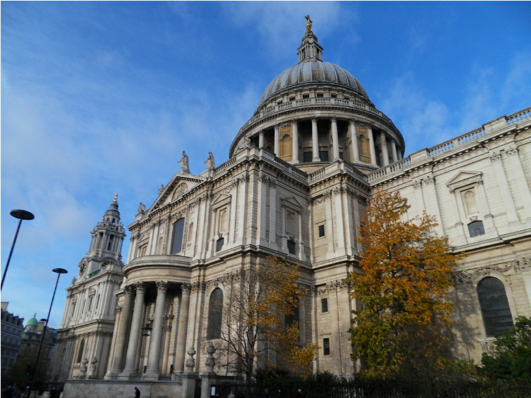 St Pauls Cathedral Was Designed By Sir Christopher Wren To Replace The Destroyed In Great Fire Of London 1666