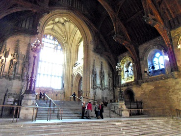 Westminster_Hall_Steps_to_Lobby